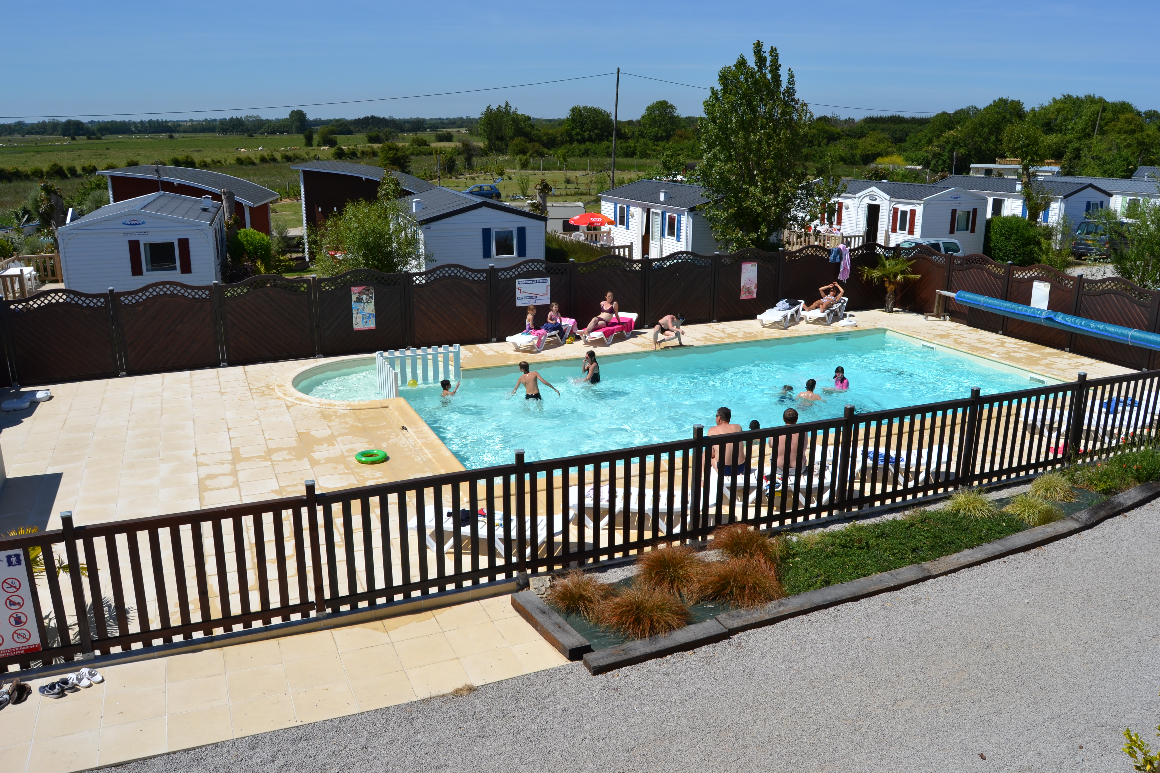 Animations camping baie des veys for Camping avec piscine normandie